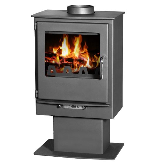 Leo stove 5kw - stove mounted on a pedestal